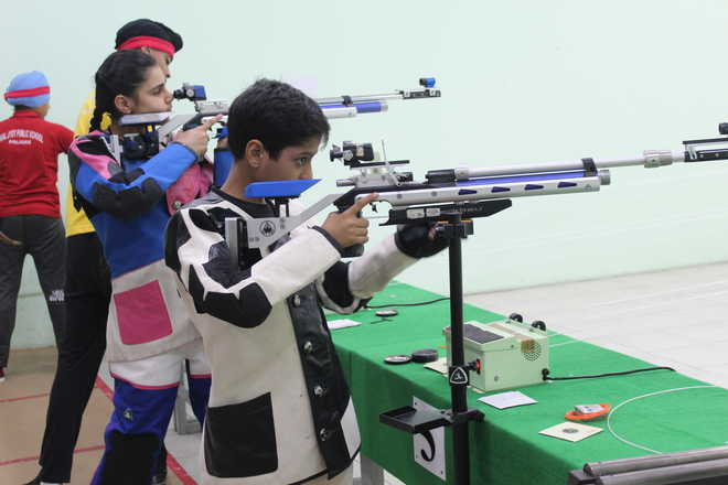 Hallmark Shooters Make Clean Sweep At District Level