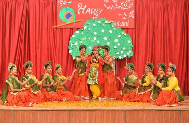 Staford School Organized Janmashtami Celebrations