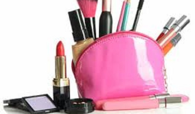 Ideal Kit For Make-up On The Go