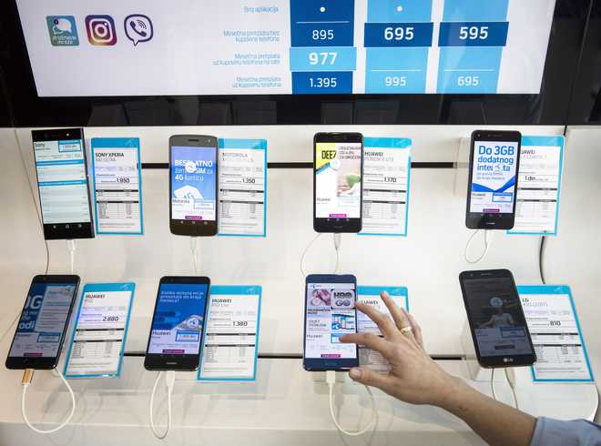 In A Hurry To Change Phones? Don't