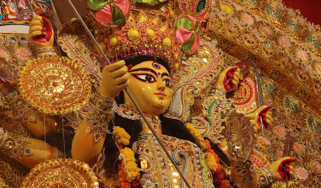 5 Foods For Durga Puja Pandal Hopping
