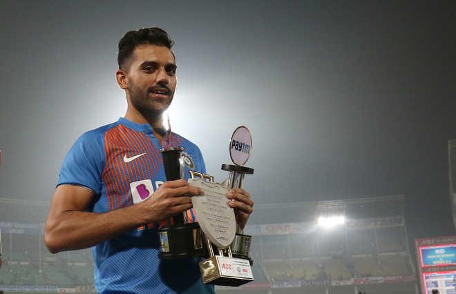Cricket fraternity congratulates Deepak Chahar