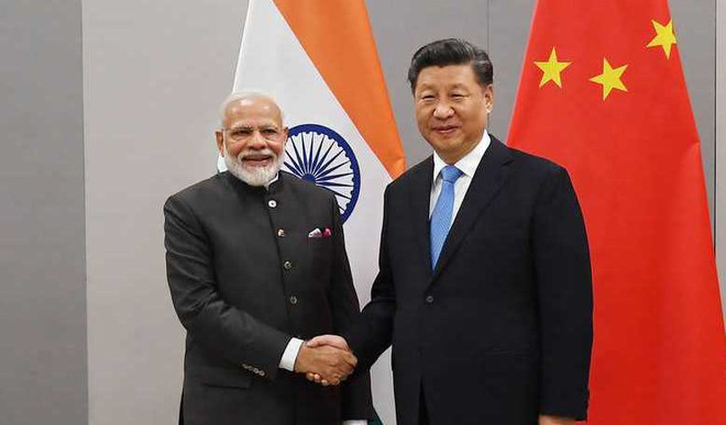 PM Modi Meets Chinese Premier Xi Jinping