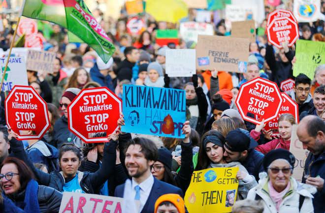 Spain blasts 'irresponsible' US attitude on climate change