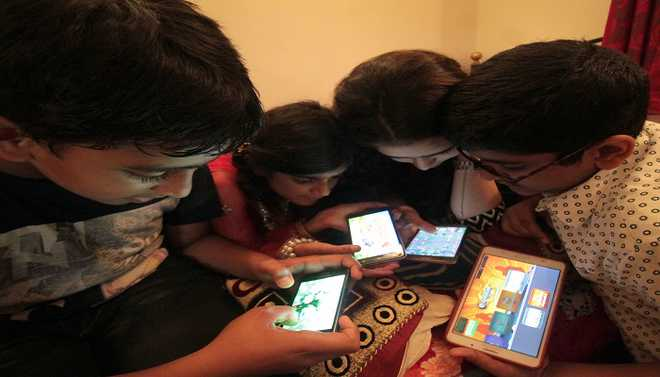 Harvil: Do We Sacrifice Family Time For Screen Time?