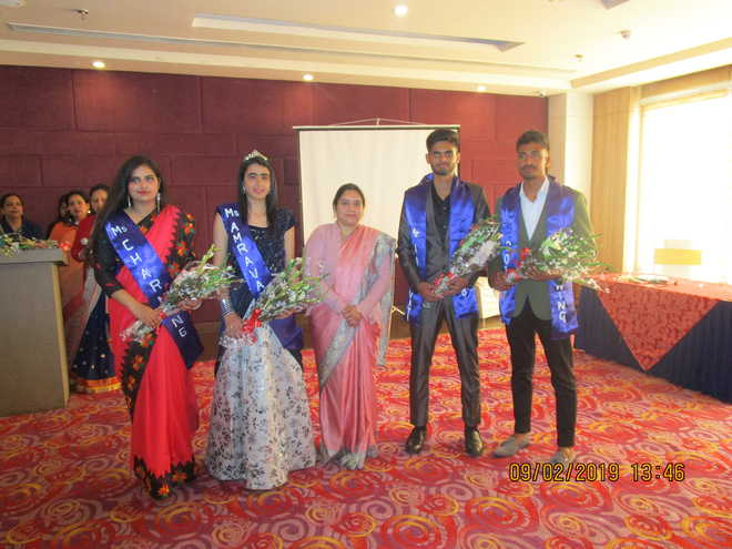 Juniors Organise Colourful Send-off Party