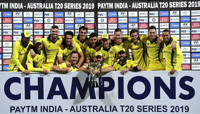 Maxwell Powers Aus To Series Win
