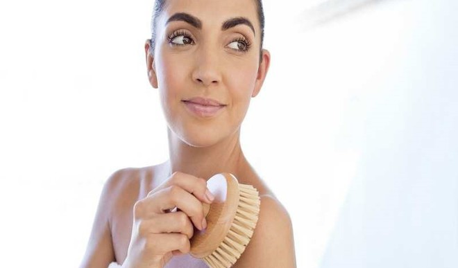 Brush Your Skin For Healthy Glow