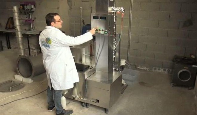 Machine That Turns 1 Kg Plastic Into 1 Ltr Petrol