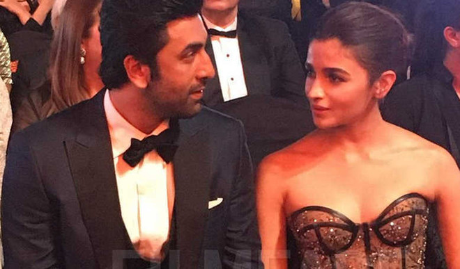 Alia & Ranbir Get Best Actor At Filmfare Awards