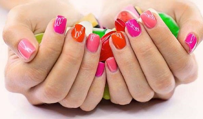 Protect Your Nails After Holi