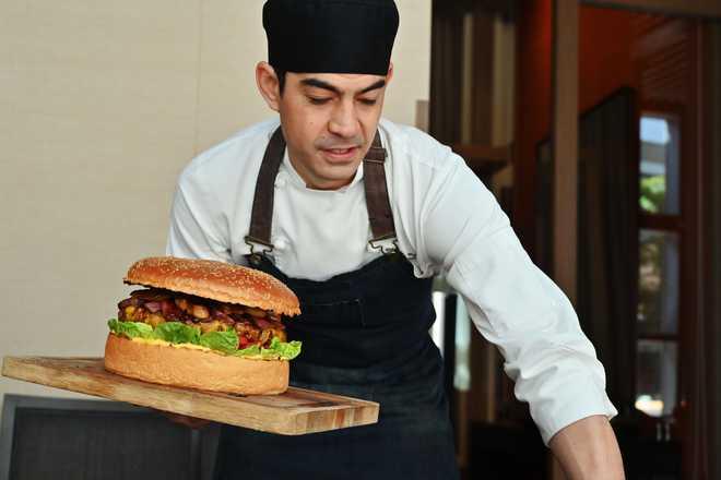Emperor Burger: Tokyo Chef Whips Up $900 Monster