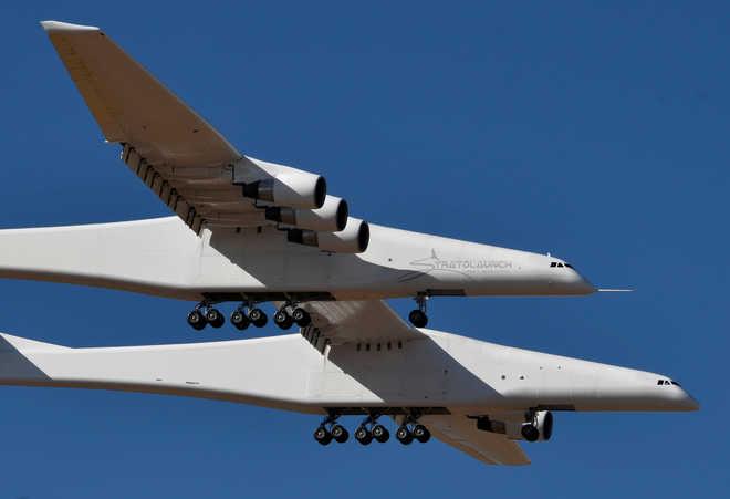 World's Largest Plane Makes 1st Test Flight