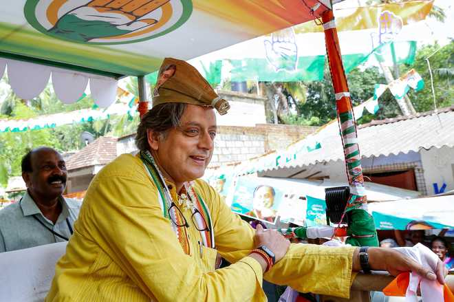 Shashi Tharoor in hospital after injury