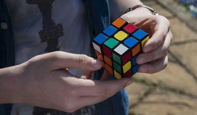 Meet The 20YO Rubik's Cube Genius!