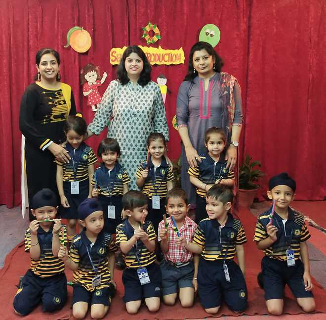 Kids Show Poise, Fluency At Self-introduction Contest