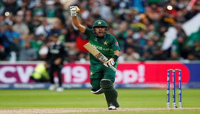 Babar Azam Can Match Kolhi, Feels Pak Batting Coach