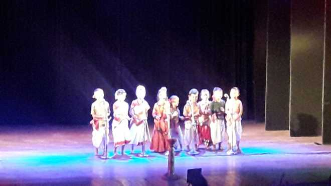 Tiny tots showcase talents at Manthan
