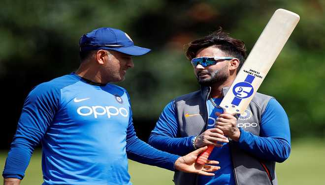 Dhoni Will Help In Smooth Transition