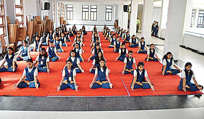 Carmel School, Peyad