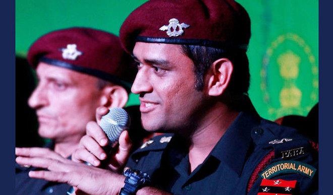 Dhoni Turns Singer For Army Men