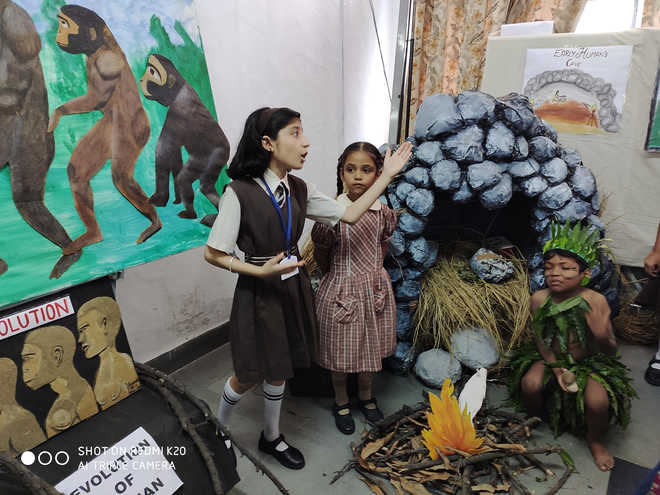 Students Take A Leaf Out Of History Books, Make Models