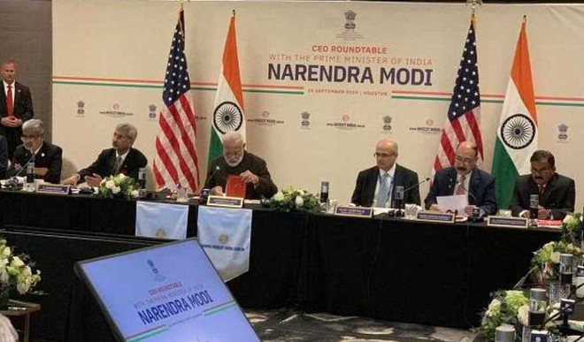 Modi Holds Meeting With Energy Sector CEOs In US