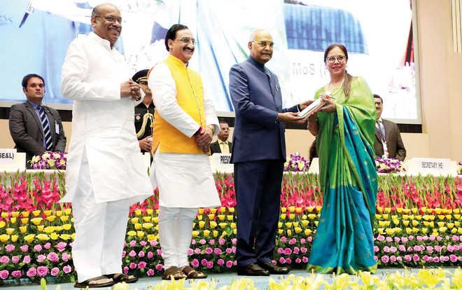 WWS, Hadapsar Principal Conferred With National Award