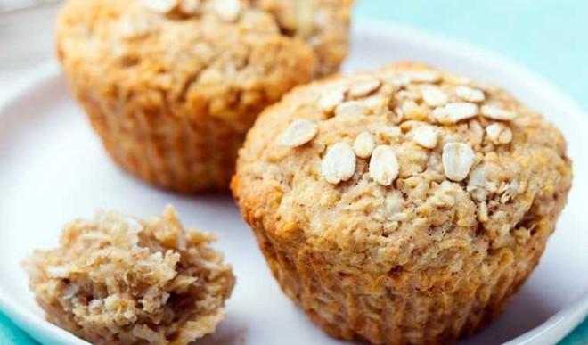 Make Banana Bread Muffin At Home