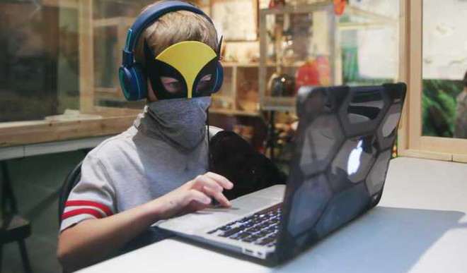 'Avg Child's Screentime Is 16 Hrs A Week'