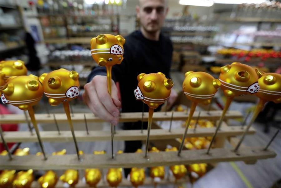 Czech Golden Pig ornaments Get Mask
