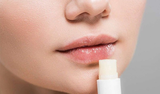 Easy Ways To Treat Chapped Lips