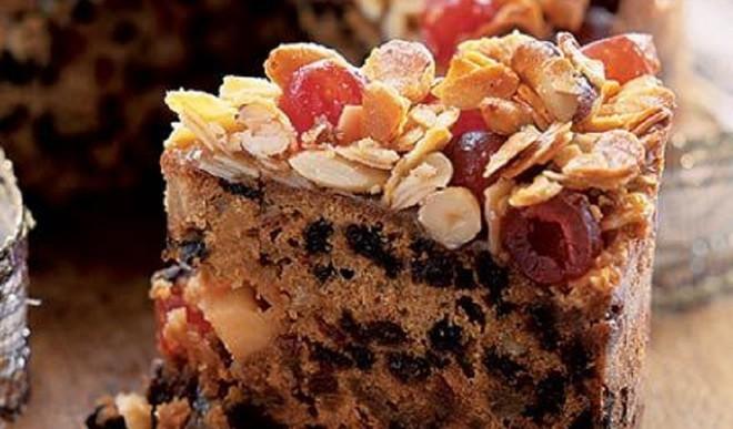 Fruit And Nut Christmas Cake