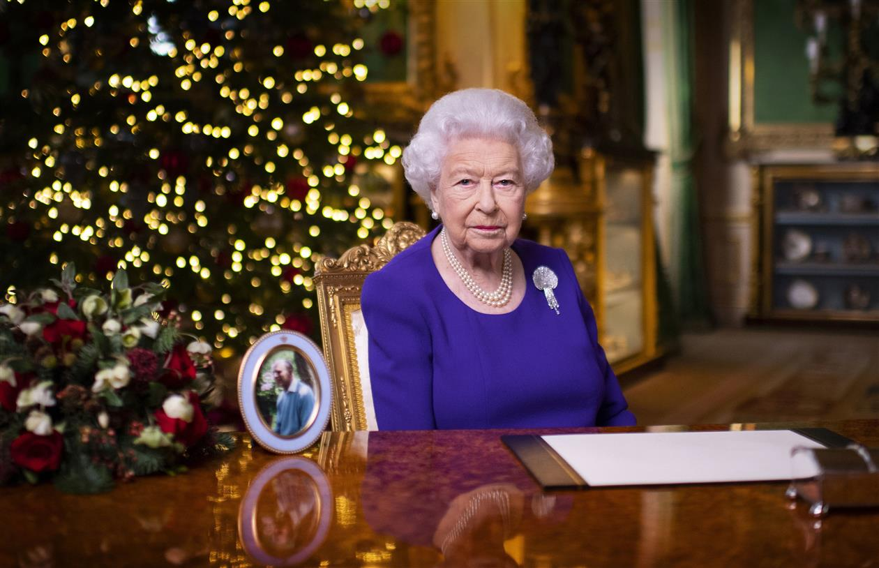 Amid X'mas Cheer, Queen Refers To Eid, Diwali