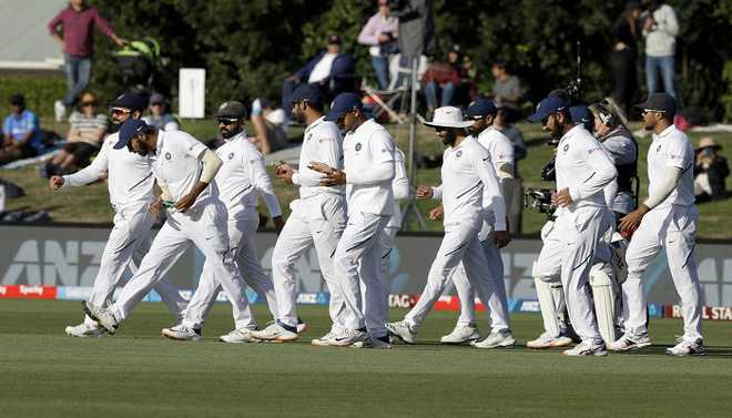 Team India Couldn't Show Required Discipline: Laxman