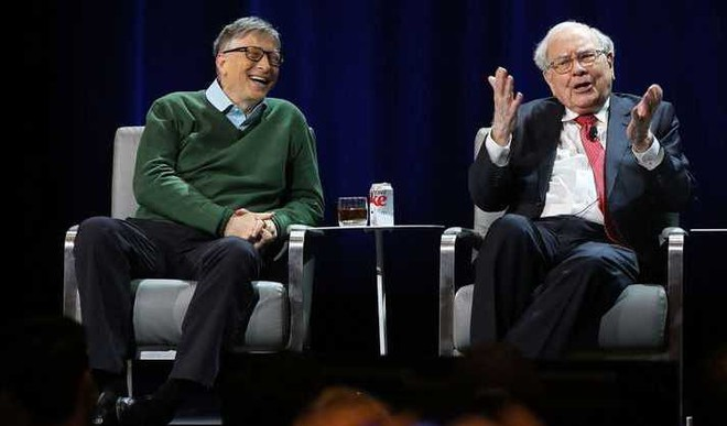 Gates Writes About Lasting Friendship With Buffett