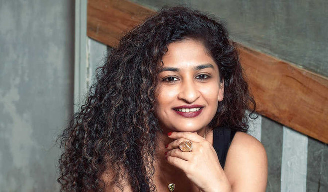 Gauri Shinde To Direct 'The Intern'?