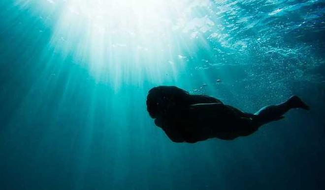 Vismaya's Poem On 'Being Underwater'