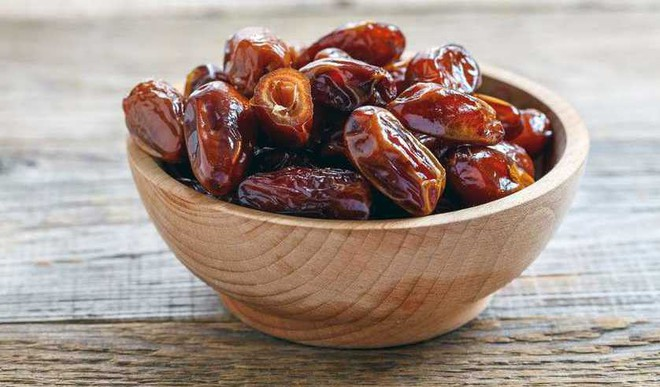 Snack On Dates To Stay Healthy