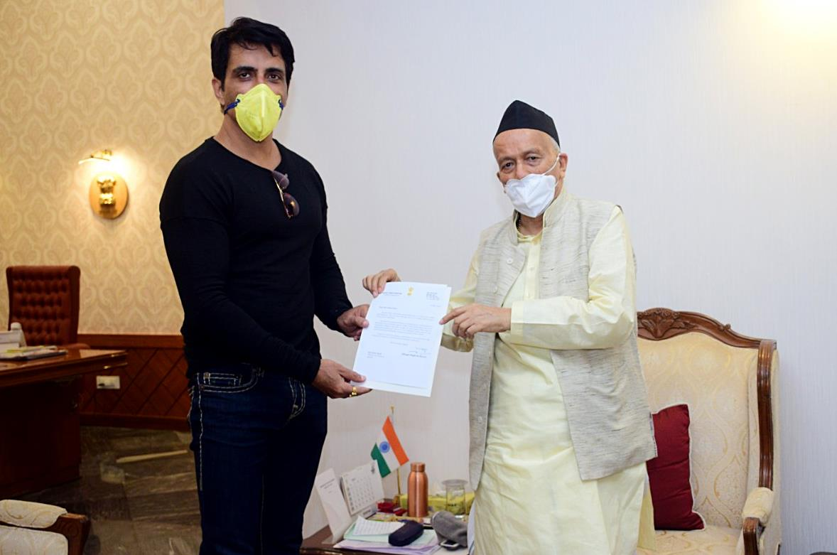 Sonu Sood Helps Airlift Migrants From Kerala