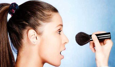 Sanitise Your Makeup Kit