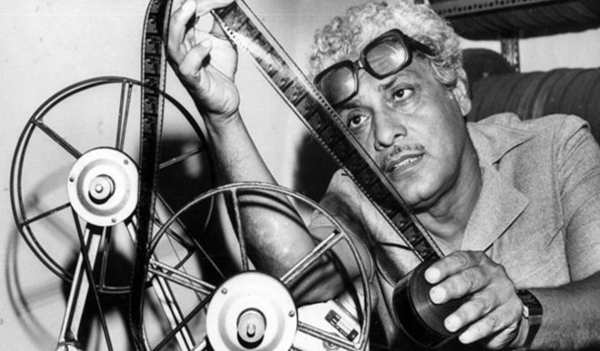 Big B, Shabana Pay Tribute To Basu Chatterjee