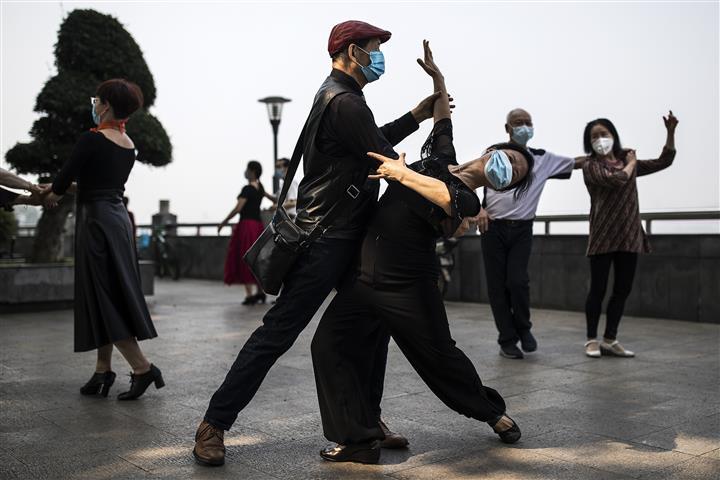 Does Dancing Cement Social Bonds?