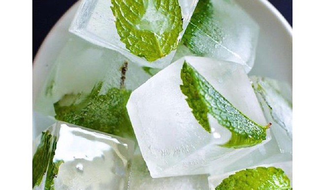 Treat Your Skin To Mint Ice Cubes