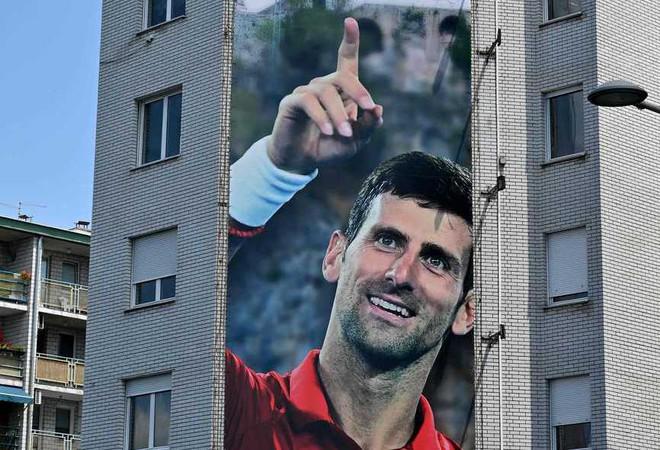 Djokovic Gets Graffiti Death Threats