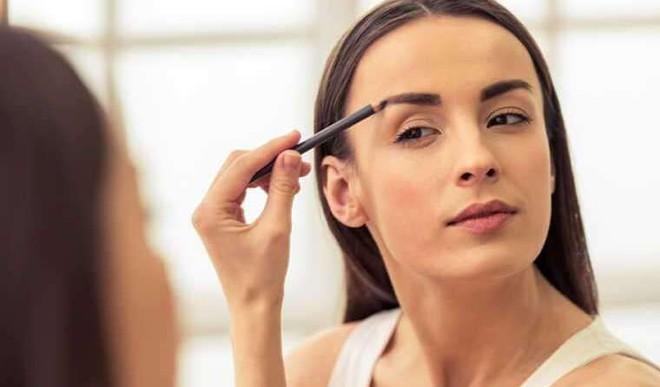 Groom Eyebrows At Home In 5 Ways
