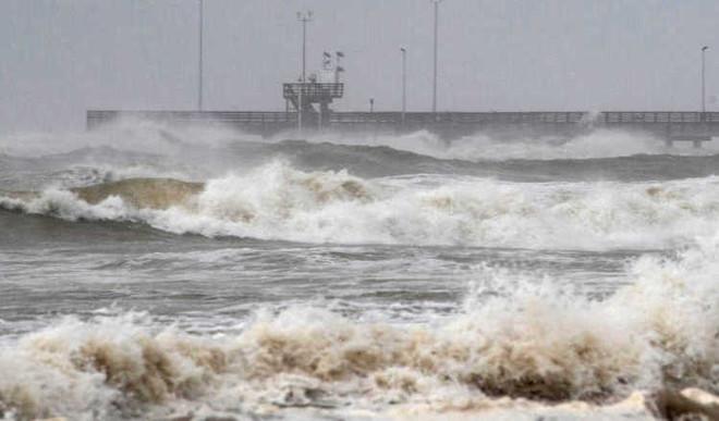 Hanna Becomes Hurricane And Heads Toward Texas!