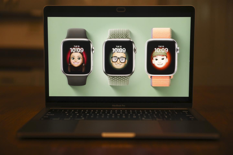 Apple Unveils Watch Series 6, cheaper Watch SE