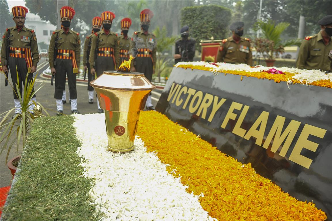 Thanking India For 1971, B'desh Troops At Rday