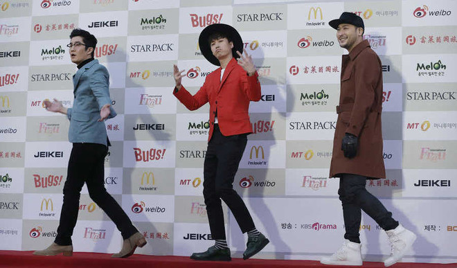 K-pop Shaping Fashion In World